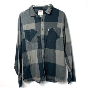 Levis Rika Flannel Plaid Long Sleeve button down